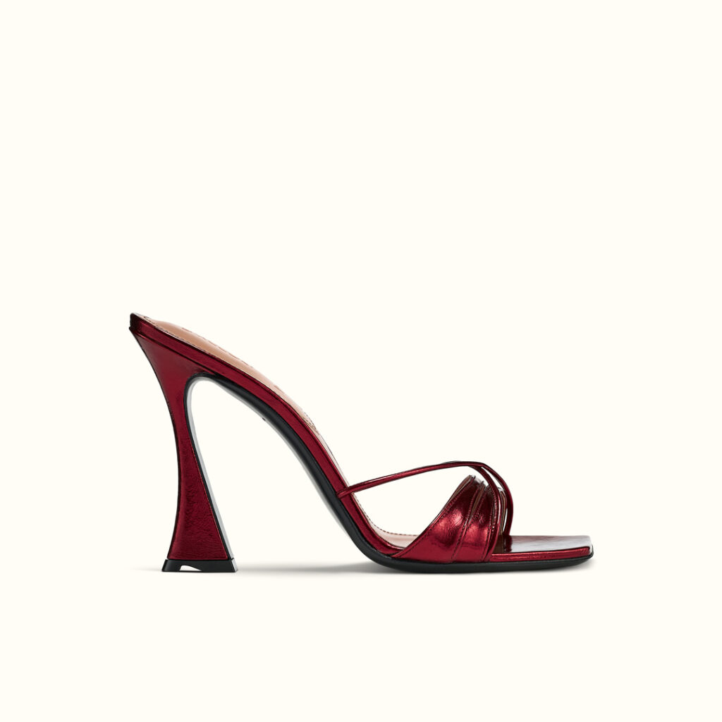 daccori-lust_red-side-WEB-Square